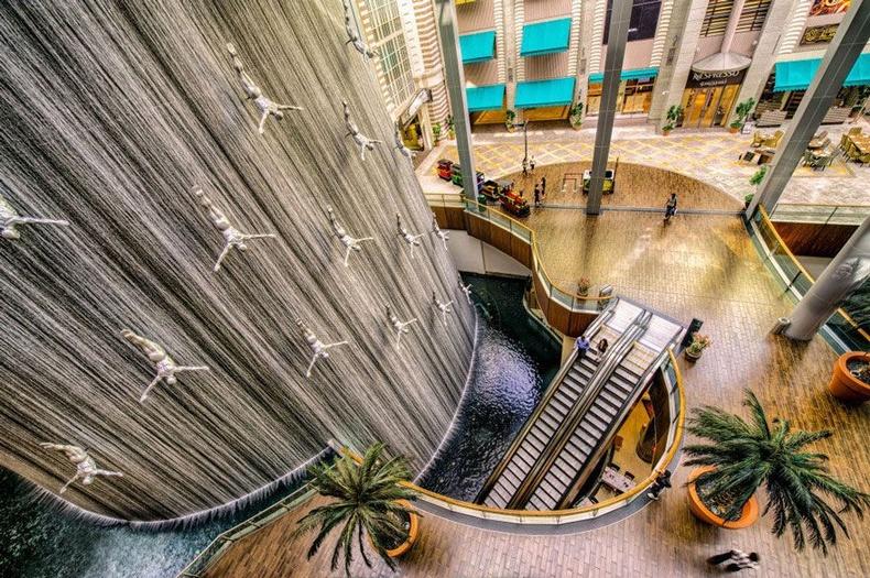 Шумбагчдын оргилуур - Дубай, АНЭУ