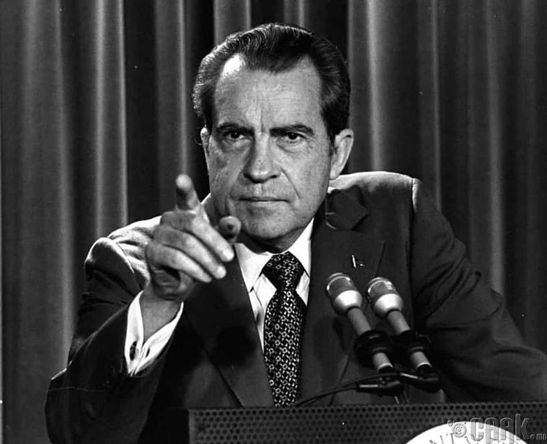 """Ричард Никсон """"Гиллиганы арал"""" цуврал кинонд дуртай байсан"""