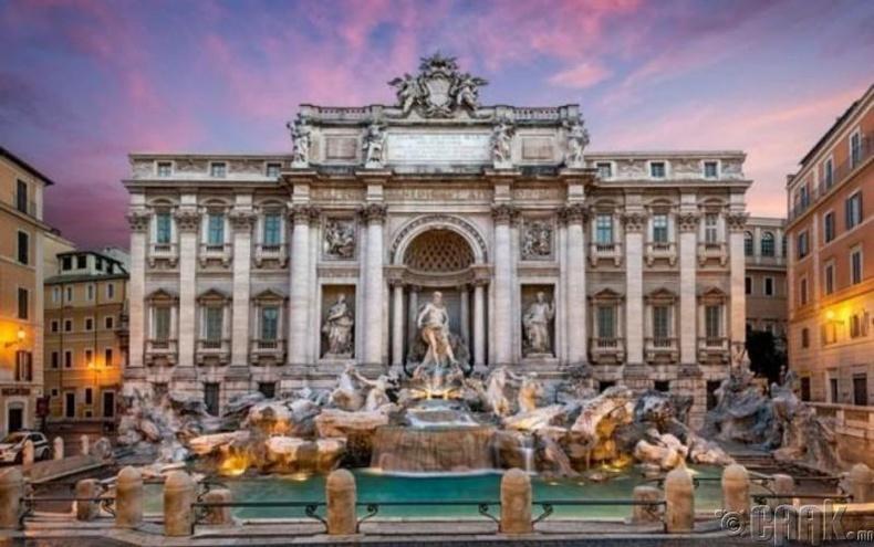 Треви усан оргилуур (Trevi Fountain)