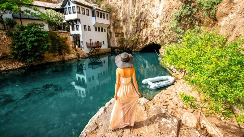Жуулчдын төдийлөн мэддэггүй дэлхийн хамгийн гайхалтай 15 газар