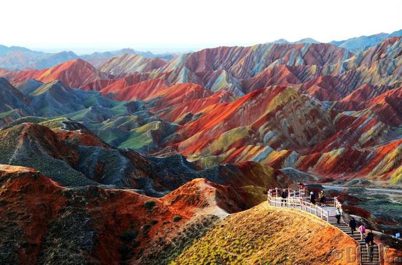 Хятадын Солонгын уулс. Эрдэмтэд одоог хүртэл эдгээр уулсын нууцыг тайлаагүй л байна