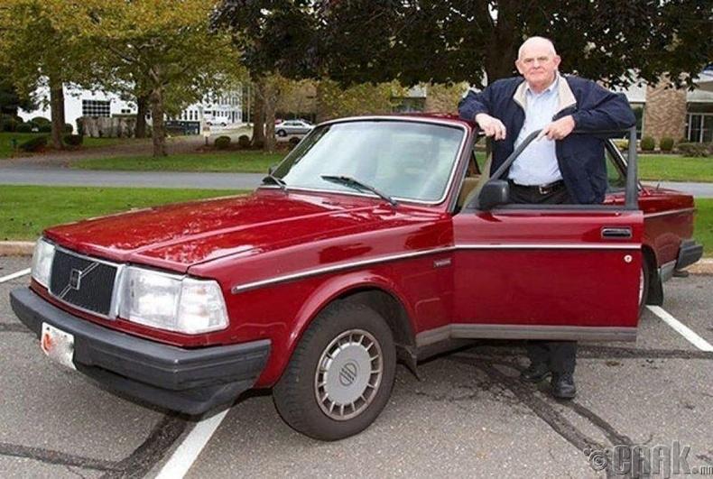 """ШелдонКупер, """"Volvo 240DL"""""""