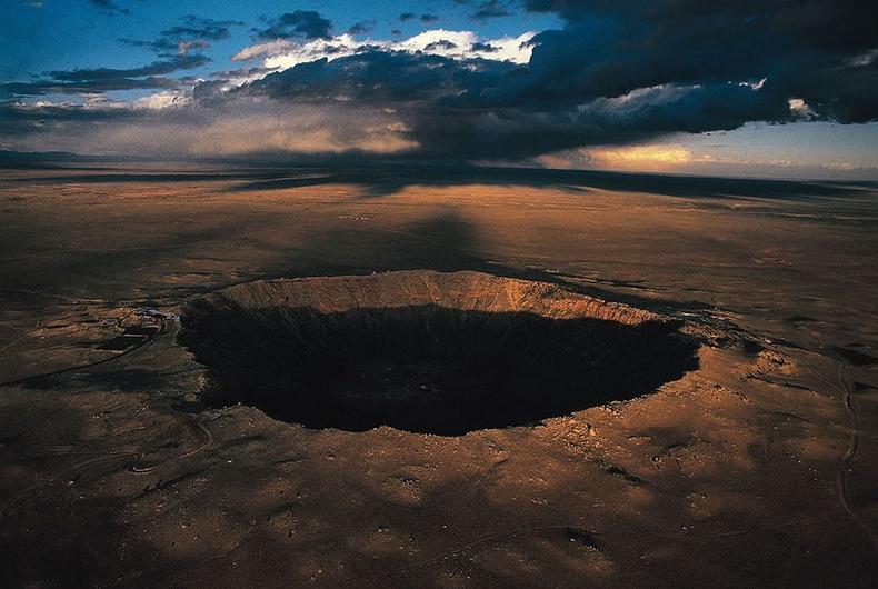 Аризонагийн хойд хэсэгт орших Баррингер солирын нүх - АНУ