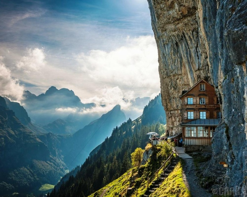 """""""Äscher Cliff"""", Швейцари"""