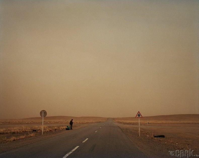 Монголд амьдралын төлөө гэхээс илүүтэй амь гарахын төлөө байна гэдэг илүү оновчтой