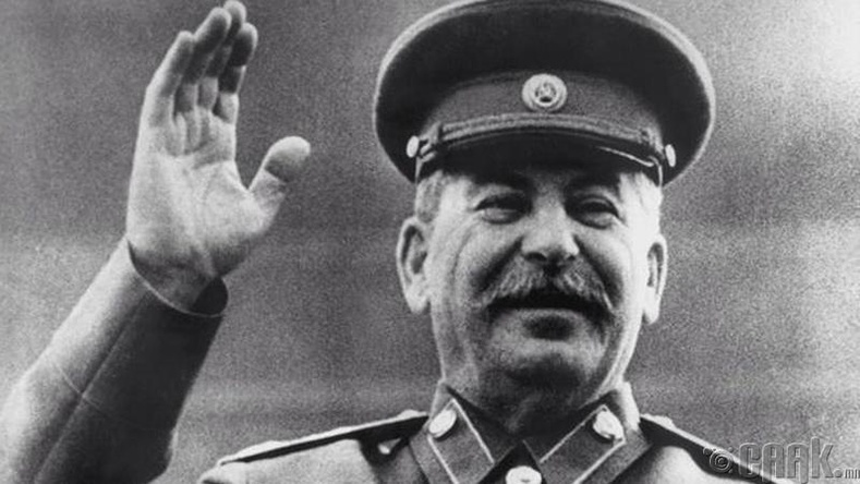 Иосиф Сталин (1878–1953)
