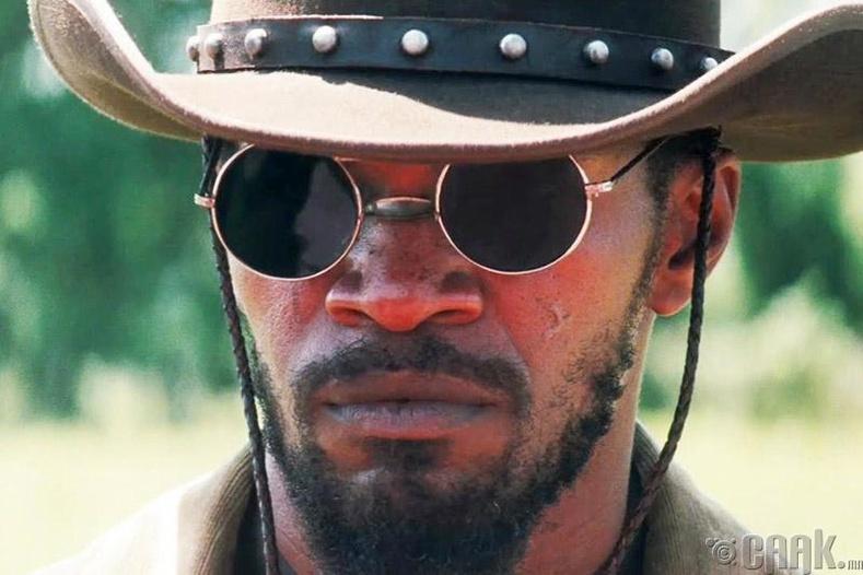 """Жанго чөлөөлөгдсөн нь"" (Django Unchained) - Нарны шил"