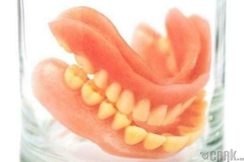 Лихтенштейнд хиймэл шүдний томоохон үйлдвэр байдаг