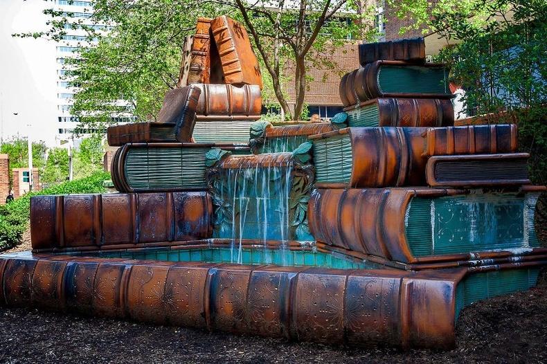 Цинциннати хотын номын сангийн усан оргилуур - АНУ