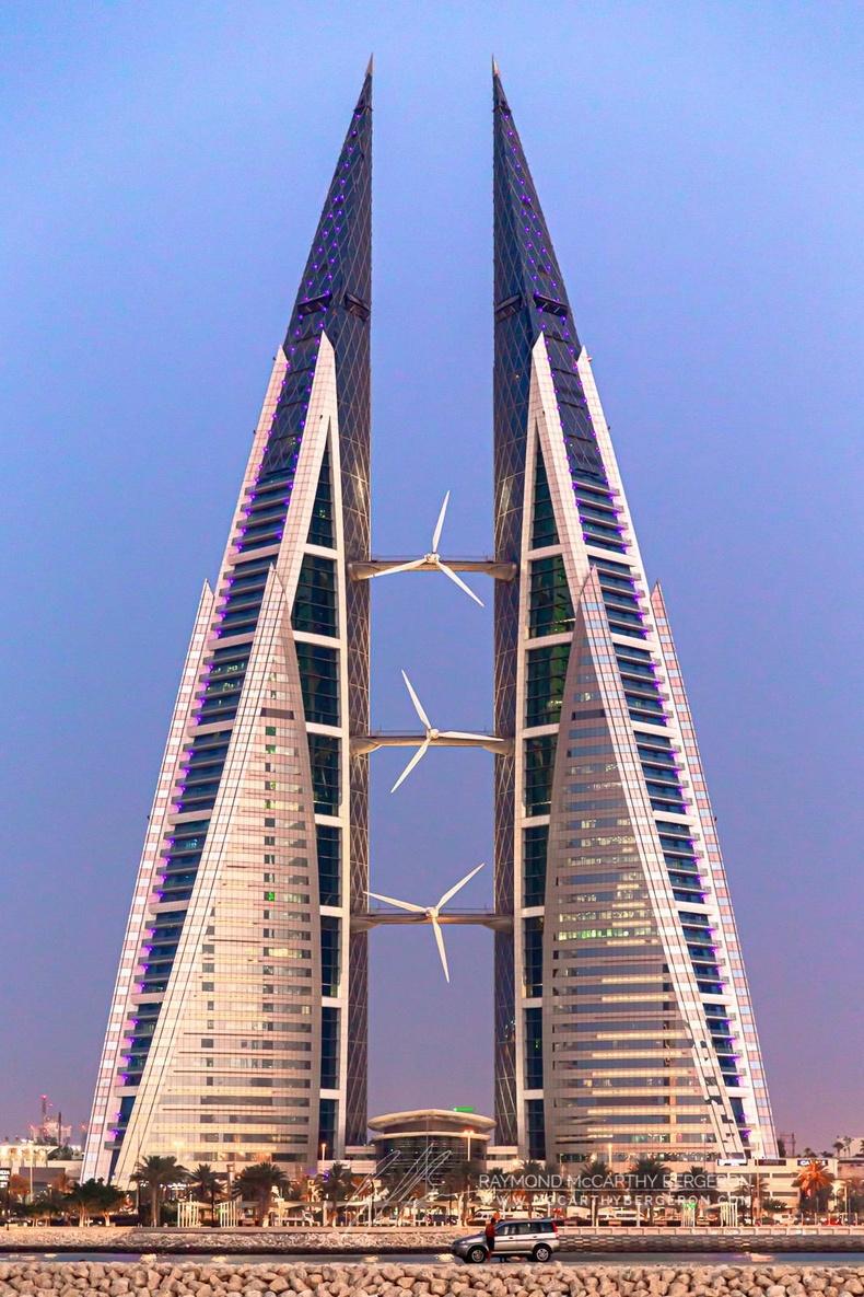 Бахрейнд голдоо 3 салхин сэнстэй ихэр барилга бий