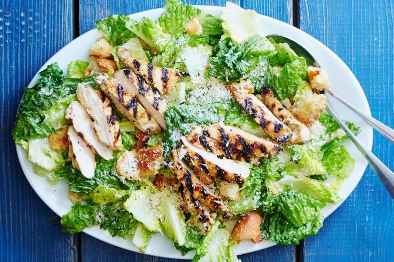 Ямар ч үед идэхэд тохиромжтой амтат салатны жорууд