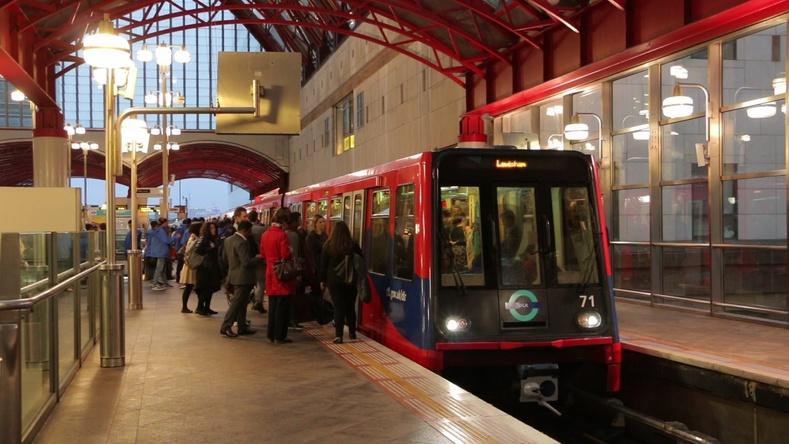Жолоочгүй метро