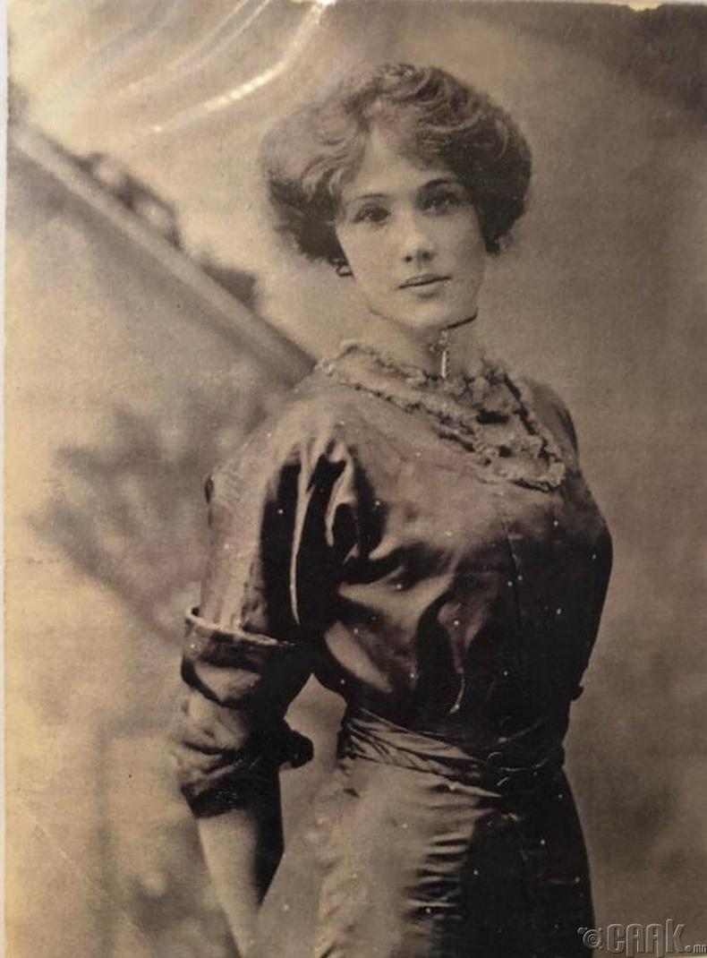 Англи бүсгүй - 1910 он