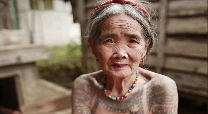 103 настай шивээсчин эмэгтэй