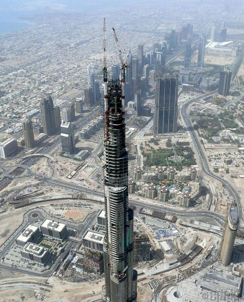 Бурж Калифа цамхаг, Дубай хот - 2006 он