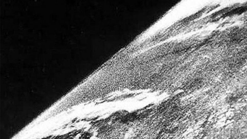 Сансар огторгуйн анхны зураг