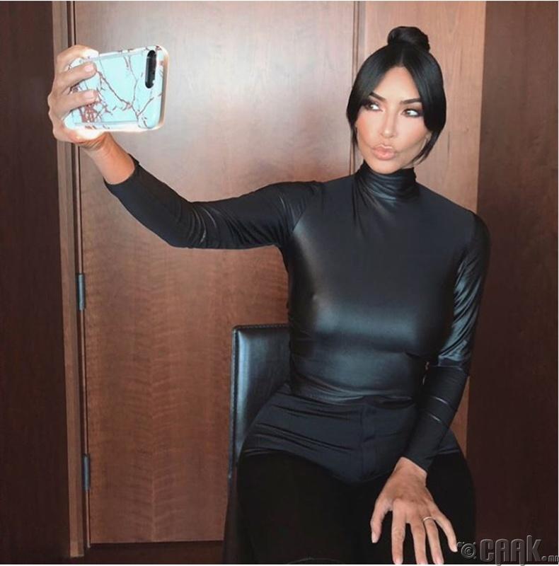 Ким Кардашиан (Kim Kardashian) - 720,000 ам.доллар