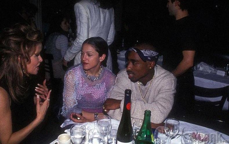 Мадонна, Тупак (Madonna, Tupac) нар 1994 онд