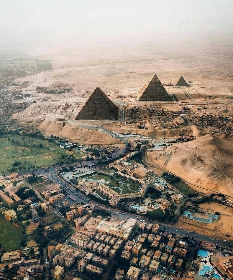 Египетийн пирамидууд өөр өнцгөөс