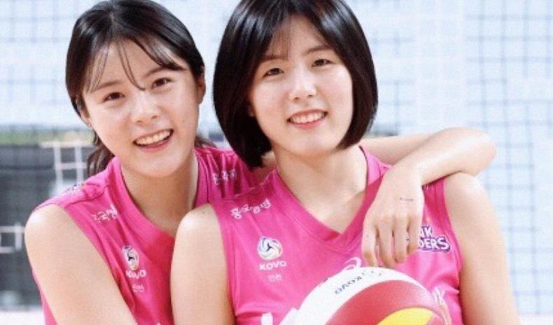 Багийнхнаа зодож дээрэлхдэг байсан нь илчлэгдсэн Солонгосын алдартай ихэр волейболчид шигшээгээсээ хөөгджээ