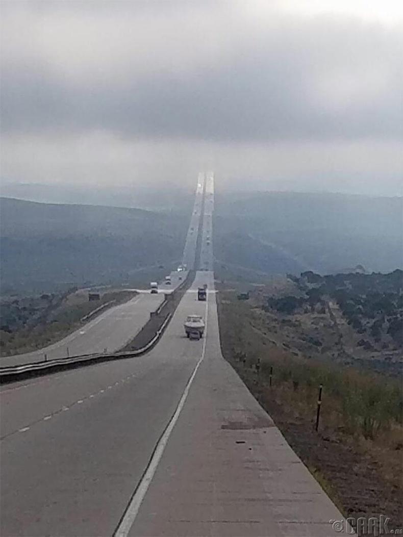 """""""Wyoming I-80 гэх зам яг л диваажинд хүрэх зам шиг гарчээ"""""""