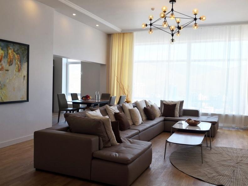 King Tower: Хүрээлэн буй орчноо бүрэн тольдох задгай террастай penthouse загварын  орон сууцны танилцуулга: