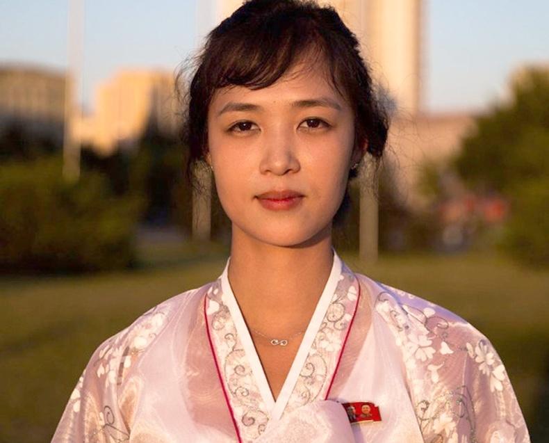 Хойд Солонгосын үзэсгэлэнтэй бүсгүйчүүд