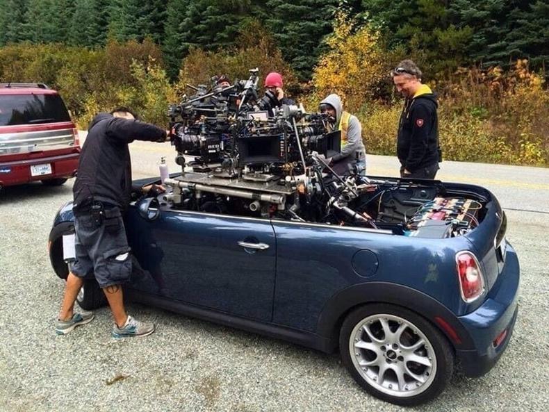 Кинон дээрх уралдаантай хэсгийн зургийг авахад зориулсан тусгай машин