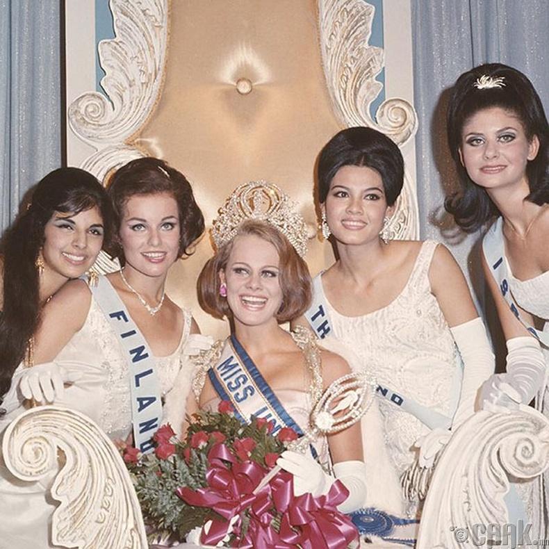 """""""Miss Universe-1966""""-ын ялагч: Шведийн гоо бүсгүй Маргарета Арвидссон, 21 настай, 173 см өндөр."""