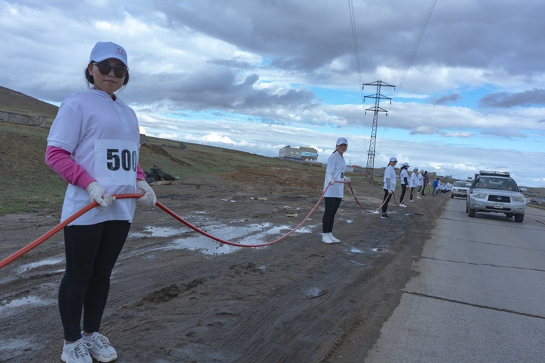 """Монголын хамгийн урт 500 метр зайдсыг """"Очир дагинас"""" компани хийлээ"""