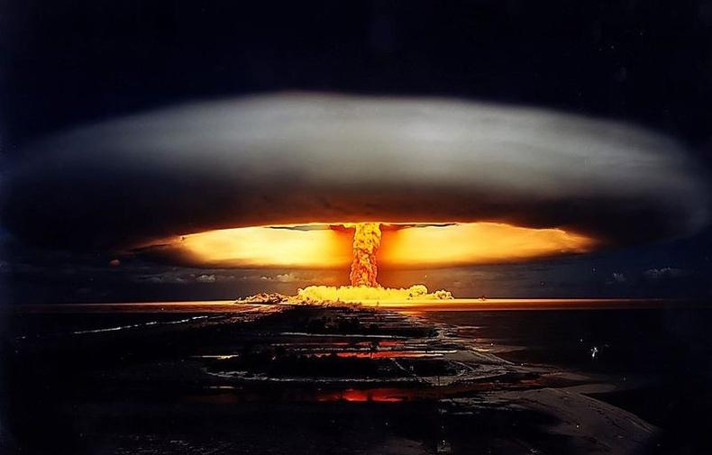 Цөмийн бөмбөгийн анхны туршилтууд