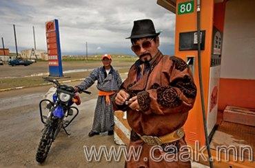 """""""Домогт Чингисийн нутгаар""""- гадныхны фото сурвалжлага"""