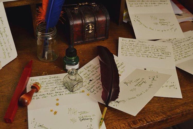 Олон зуун жил нууцлагдсан хайрын захидлууд
