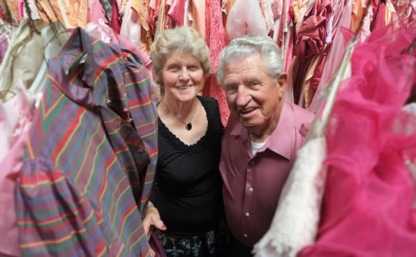 56 жил ханилахдаа эхнэртээ 55 мянган даашинз авч өгчээ