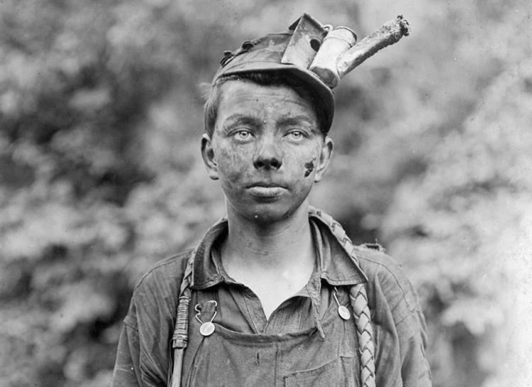 100 жилийн өмнө хүүхдүүд хэрхэн хөдөлмөрлөдөг байсан бэ?