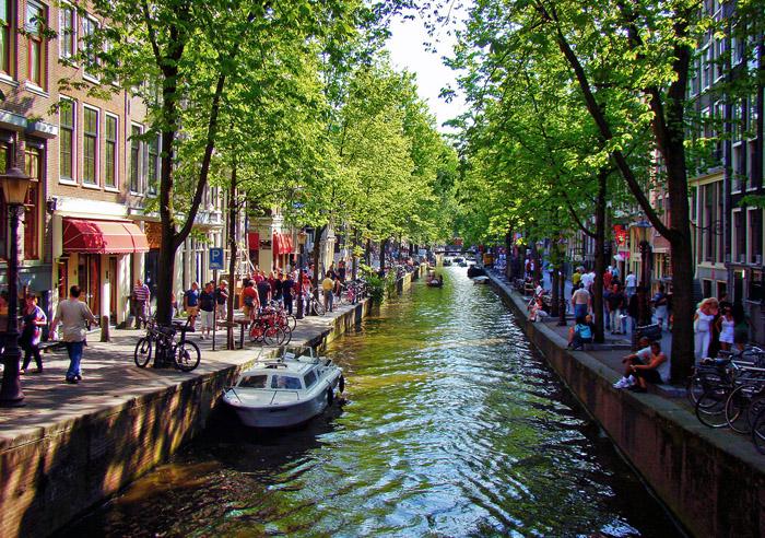 Амстердамаар аяласан тэмдэглэл