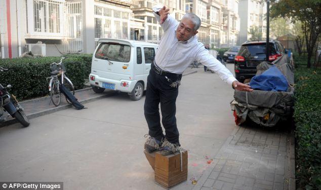 40кг жинтэй шаахай хятад эрийг нурууны өвчнөөс нь салгажээ