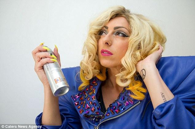 Леди Гага шиг болохын тулд маш их цаг зав, мөнгөө үрсэн бүсгүй