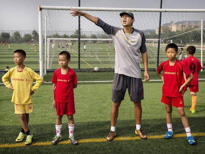 Хятадууд ирээдүйн шилдэг хөлбөмбөгчдийг бэлтгэж байна