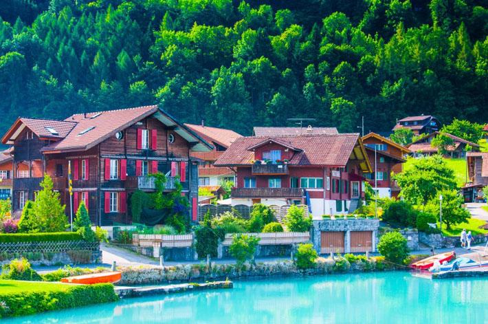 Швейцарийг өөр нүдээр харвал...
