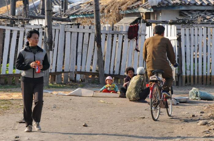Жуулчдаас нуусан Хойд Солонгосын өнгө төрх