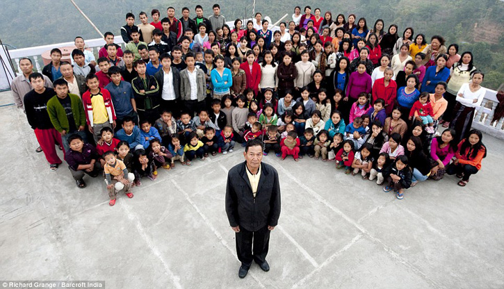 39 эхнэр, 94 хүүхэдтэй Энэтхэг эр