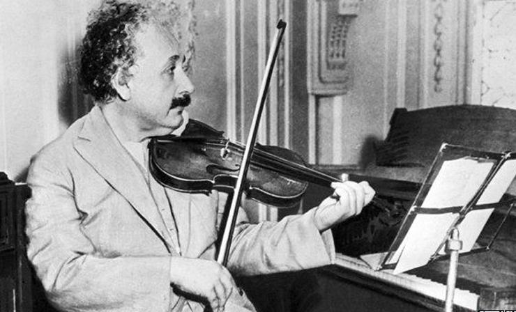 Альберт Эйнштейн Гиннесийн амжилт тогтоожээ