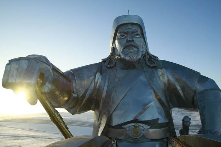 Чингис Хааны тухай гадныхны бичсэн сонирхолтой 10 баримт