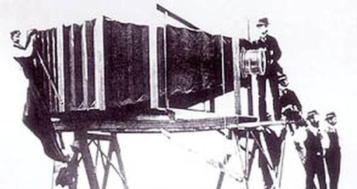 100 жилийн өмнөх аварга зургийн аппарат