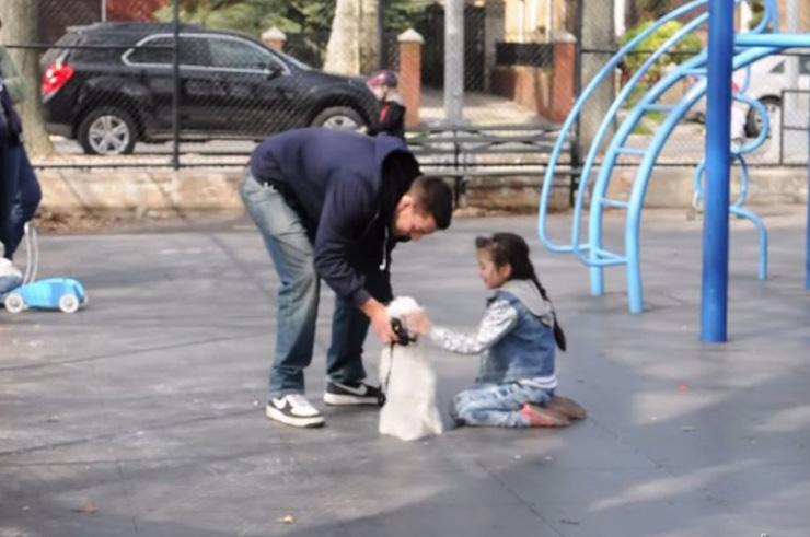 Хүүхэд хулгайлах хэр хялбар болохыг харуулсан туршилт хийжээ