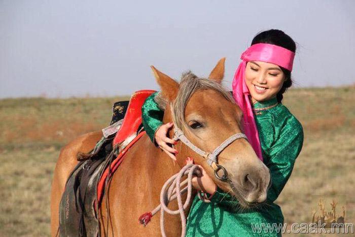 Дээлтэй монгол (92 фото)
