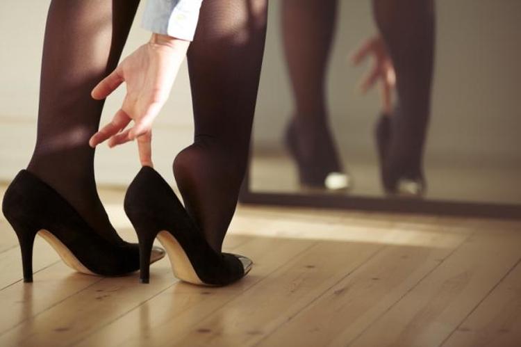 Өсгийтэй гутал өмсөхгүй байх 5 шалтгаан