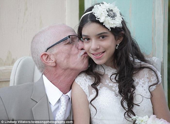 Охинтойгоо гэрлэсэн эцэг