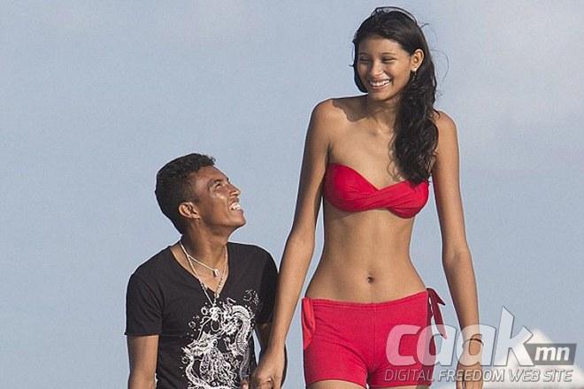 Дэлхийн хамгийн өндөр охин